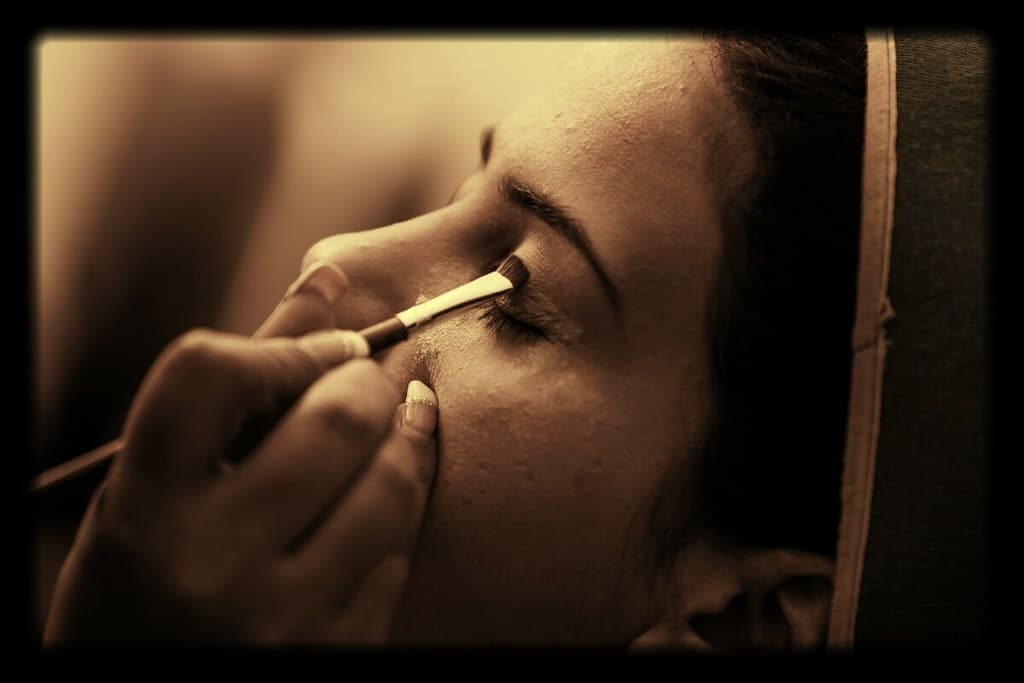 Hire Makeup Artist and Fashion Stylist for Your Wedding